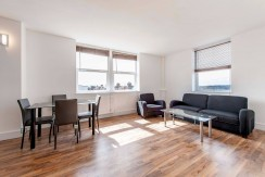 2 Bedroom Flat To Rent in North Finchley N12