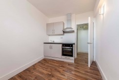 Studio Flat To Rent in North Finchley N12