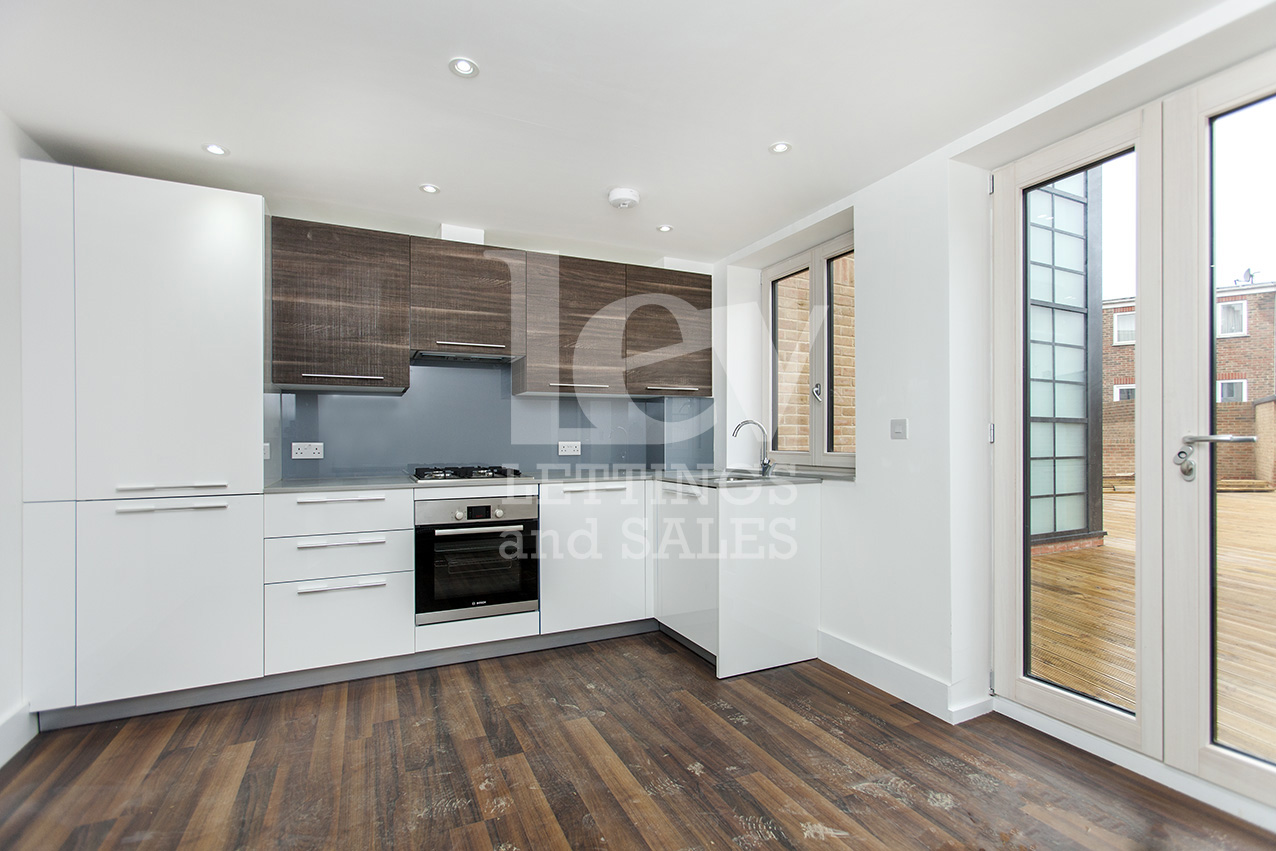 NNew three bedroom maisonette house to rent in Hendon, 1-3 Station Rd NW4 4PR