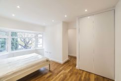 Beautiful Studio to Rent on Selborne Gardens, NW4