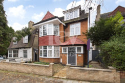 A beautifully bright and fully refurbished top floor two bedroom flat in the heart of Cricklewood, NW2