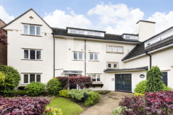 Beautiful 2 Bedrooms 2 Bathrooms flat for sale in Mill Hill, NW7