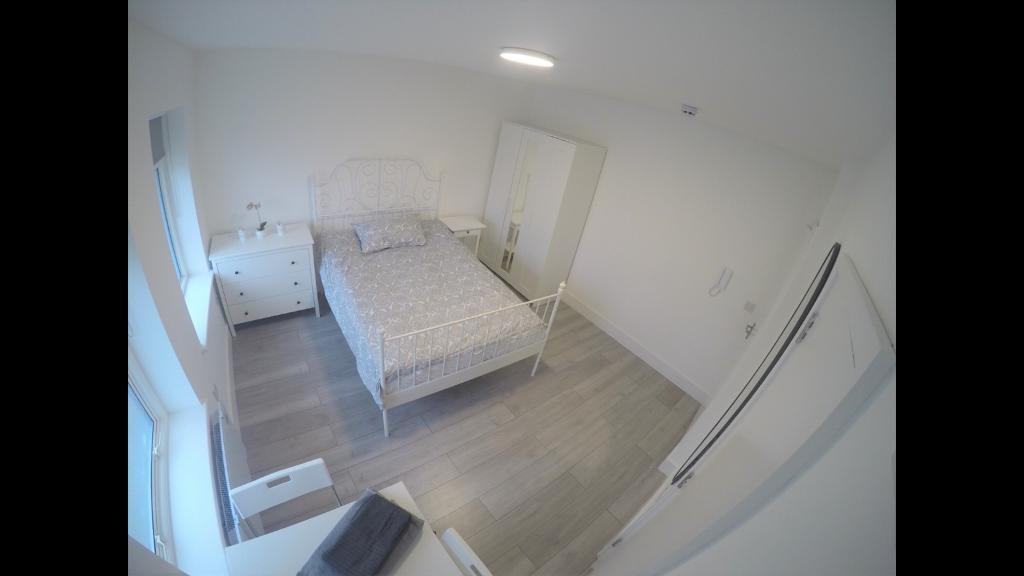 Brand-new En-suite rooms to rent on Greyhound Hill, NW4