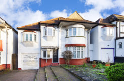 Lev properties are proud to present this brand-new 5 rooms to rent in a recently refurbished 5 bedrooms house on Greyhound Hill , Hendon, NW4